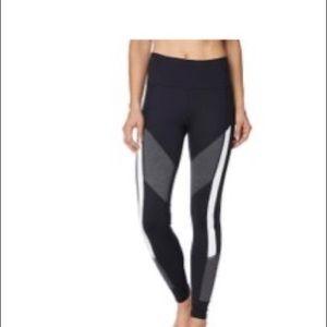 Betsey Johnson geometric print leggings